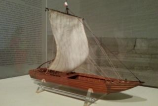 Chaland du Loire french fluvial barge model (XVIII.century)