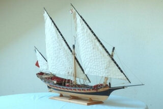 L'INDISCRET 24 guns sixth rate xebec 1750 - ship model