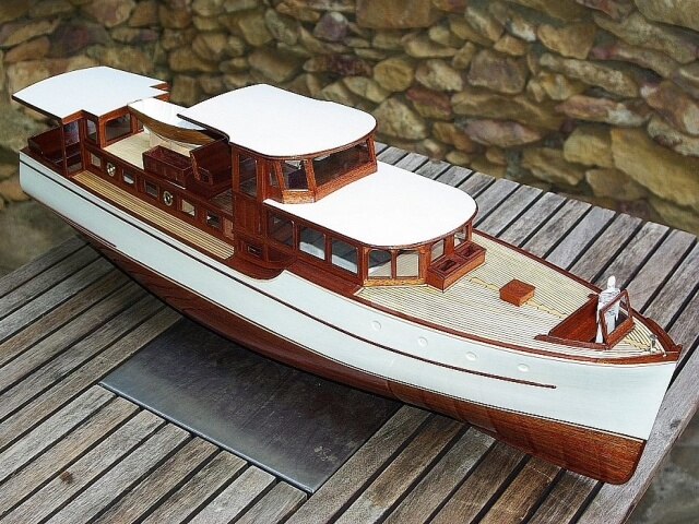Commuter yacht Jessica, model ship